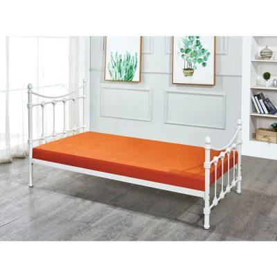 бяло метално легло